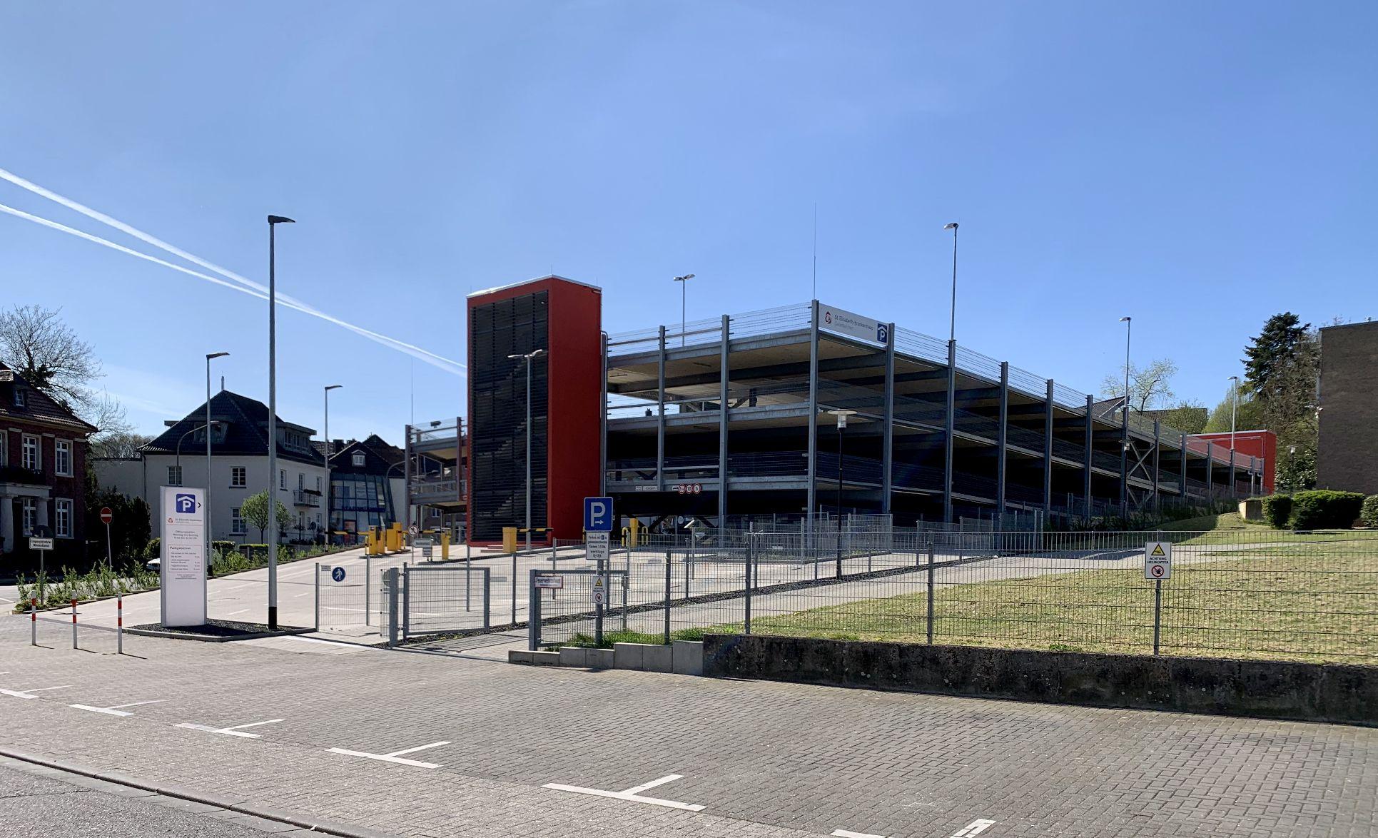 Neubau eines Parkhauses